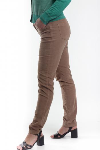 Ženske pantalone Essential Corduroy